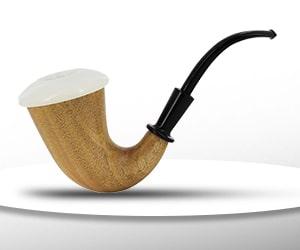 femme première pipe