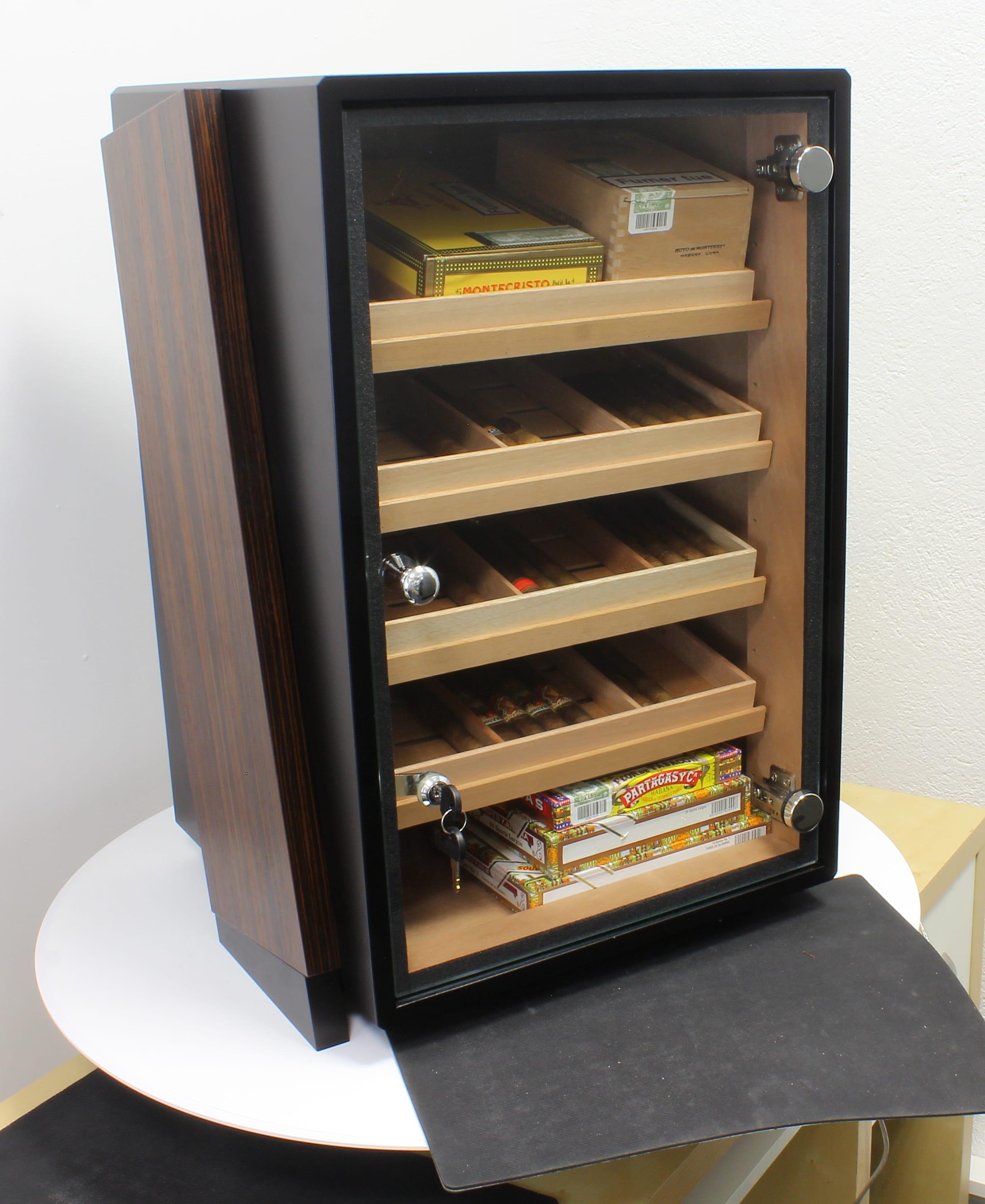 armoire cigare. Black Bedroom Furniture Sets. Home Design Ideas
